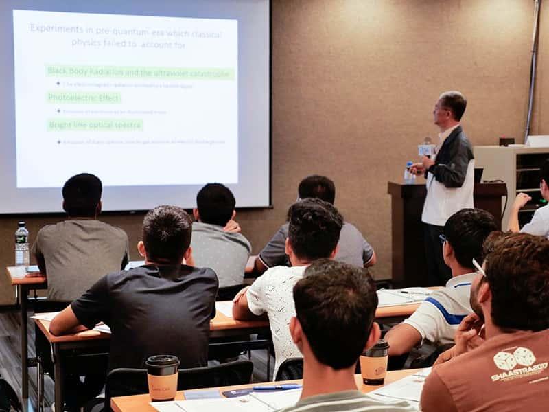 Trường cung cấp chương trình đào tạo ở nhiều ngành nghề khác nhau.