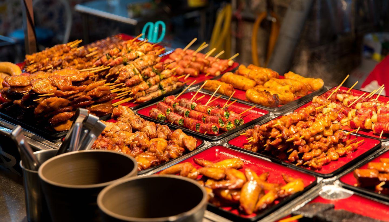 Chợ đêm Đài Loan hấp dẫn du khách.