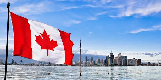Cờ Canada với biểu tượng lá phong đỏ.