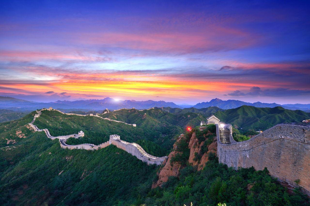 Vạn Lý Trường Thành – Một địa điểm du lịch Trung Quốc nổi tiếng.