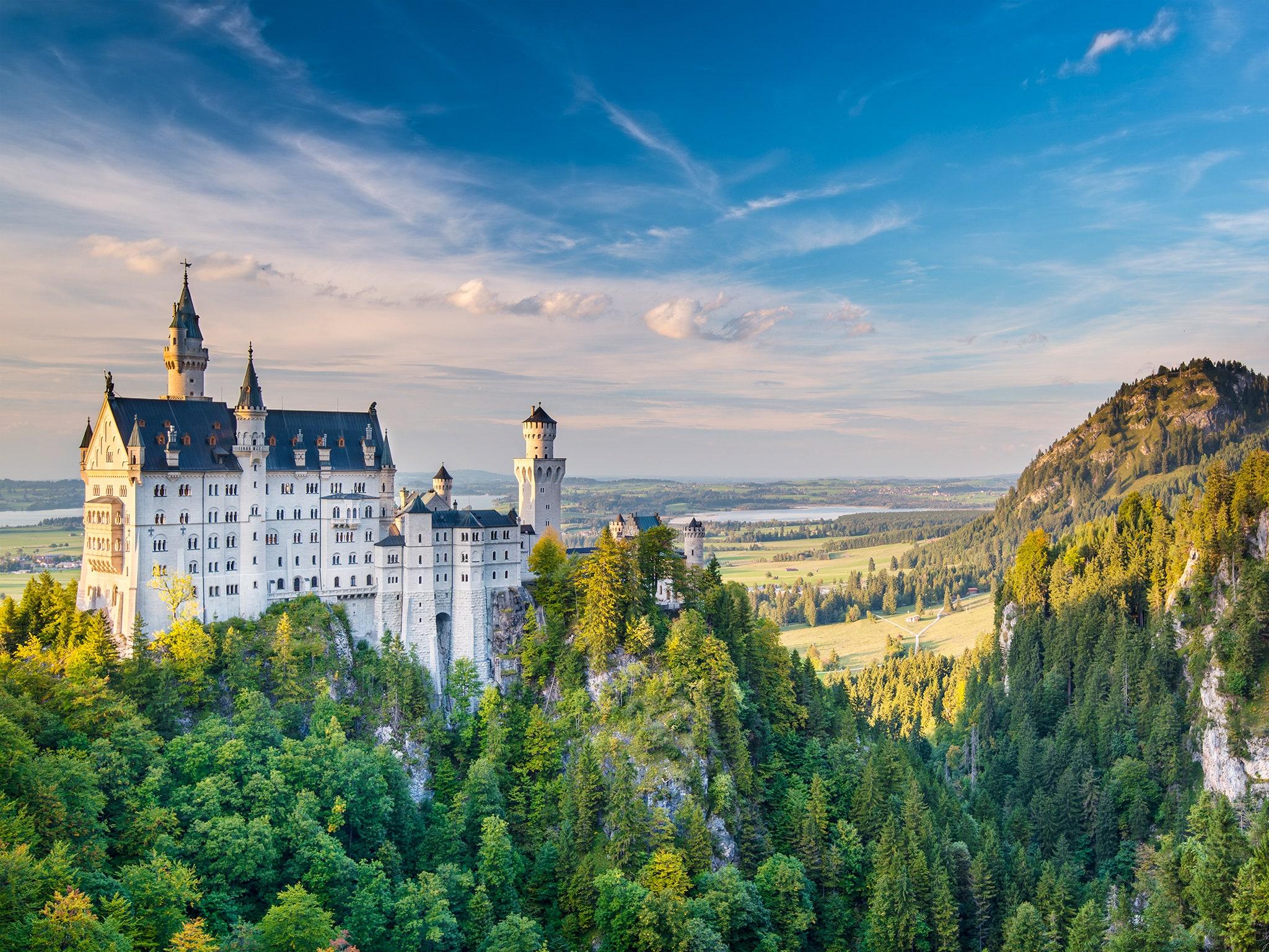 Neuschwanstein được xem là là tuyệt tác về nghệ thuật và kiến trúc.