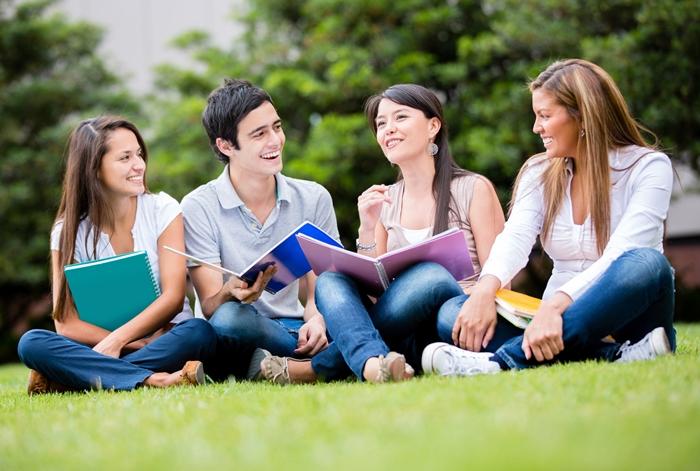 Bạn hoàn toàn có thể giao tiếp tiếng Anh thuần thục nếu học TOEIC 4 kỹ năng nghe, nói, đọc, viết.