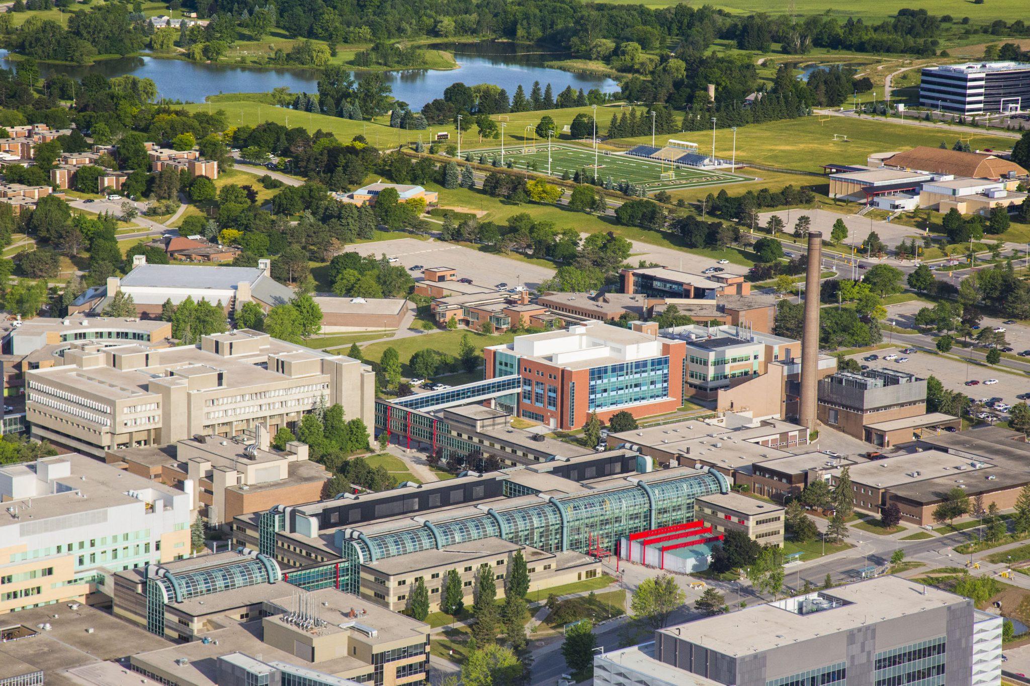 Đại học Waterloo là trường đại học nghiên cứu công cộng ở Canada.