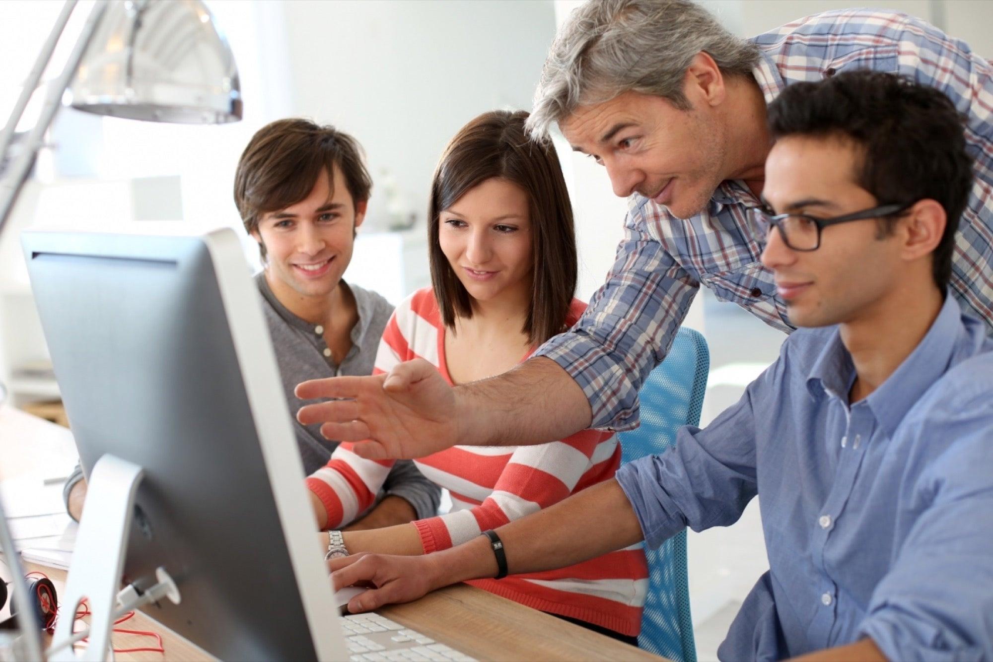 Những kỳ thực tập giúp sinh viên tích lũy kinh nghiệm làm việc ngay trong quá trình học.