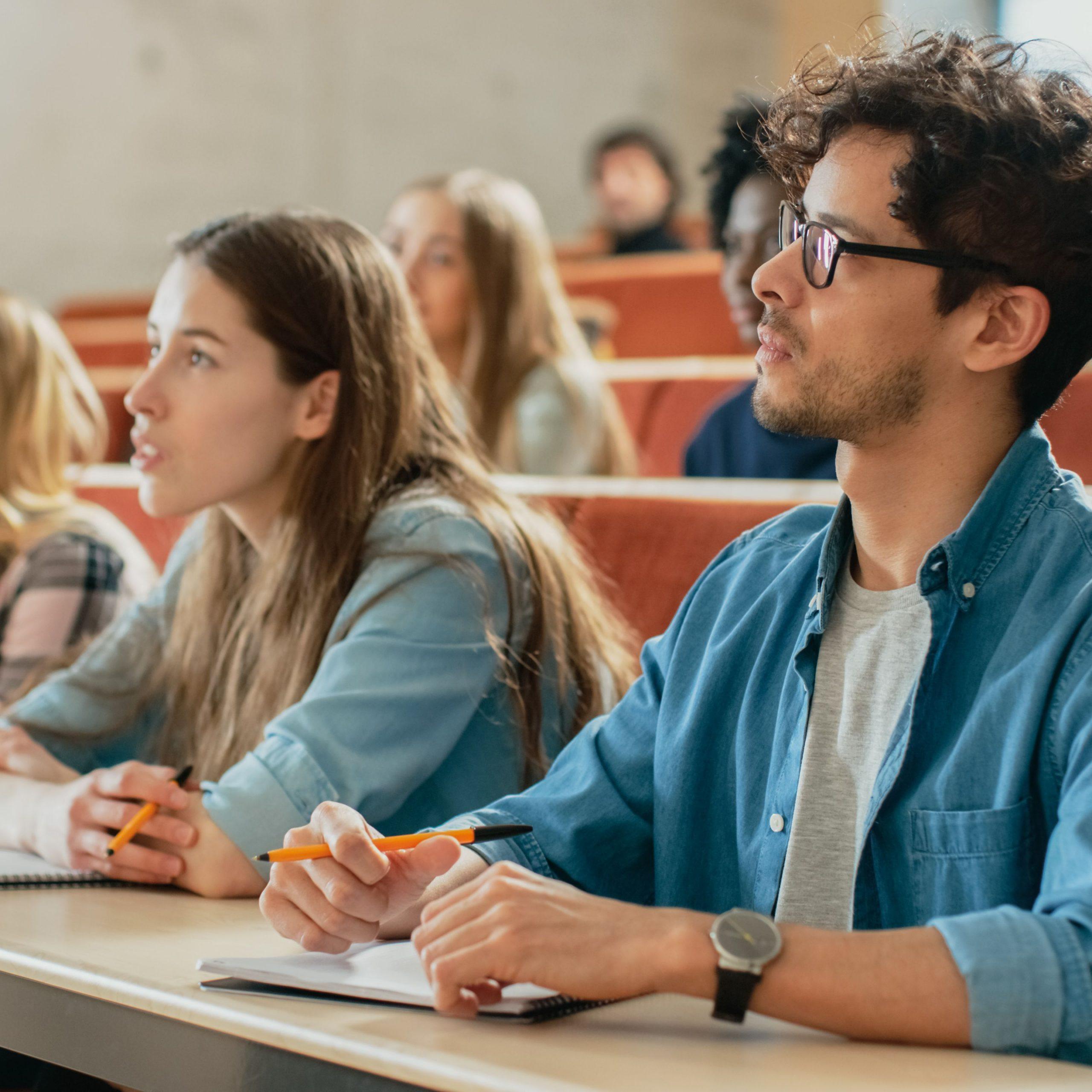 Học tiếng Anh tại Singapore là lựa chọn của nhiều du học sinh.