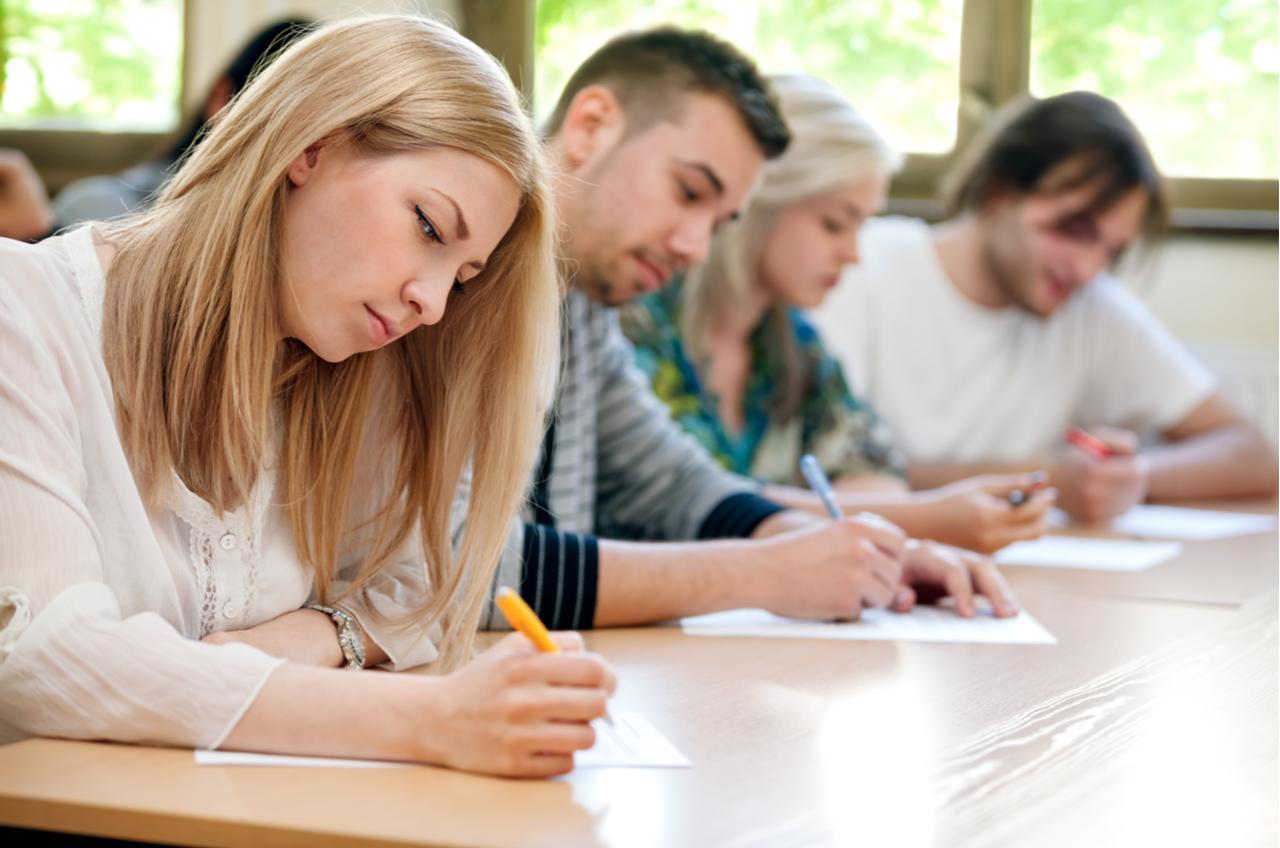 Một số trường học ở nước ngoài sẽ sử dụng cả hai loại điểm là GPA và điểm CGPA.