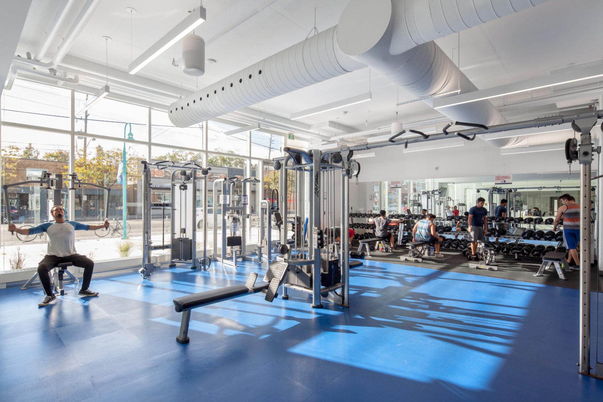 Phòng gym để sinh viên rèn luyện sức khỏe.