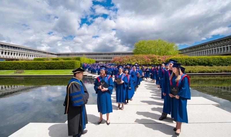 Đại học Simon Fraser là trường đào tạo đa ngành nghề.