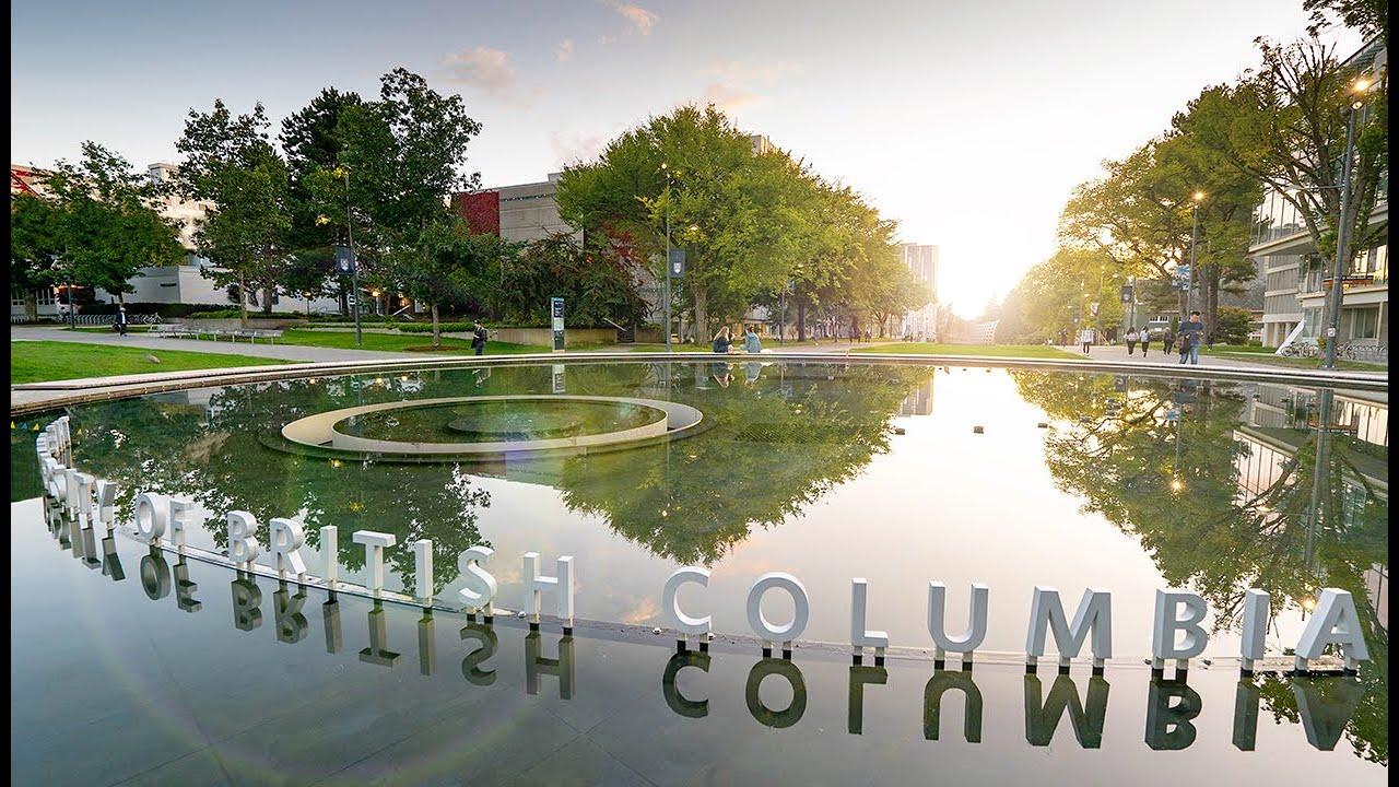 Đại học British Columbia là một trong những trường đại học hàng đầu Canada.