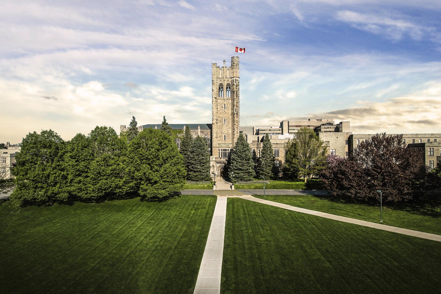 Trường là một trong những trường đại học lâu đời nhất ở Canada.