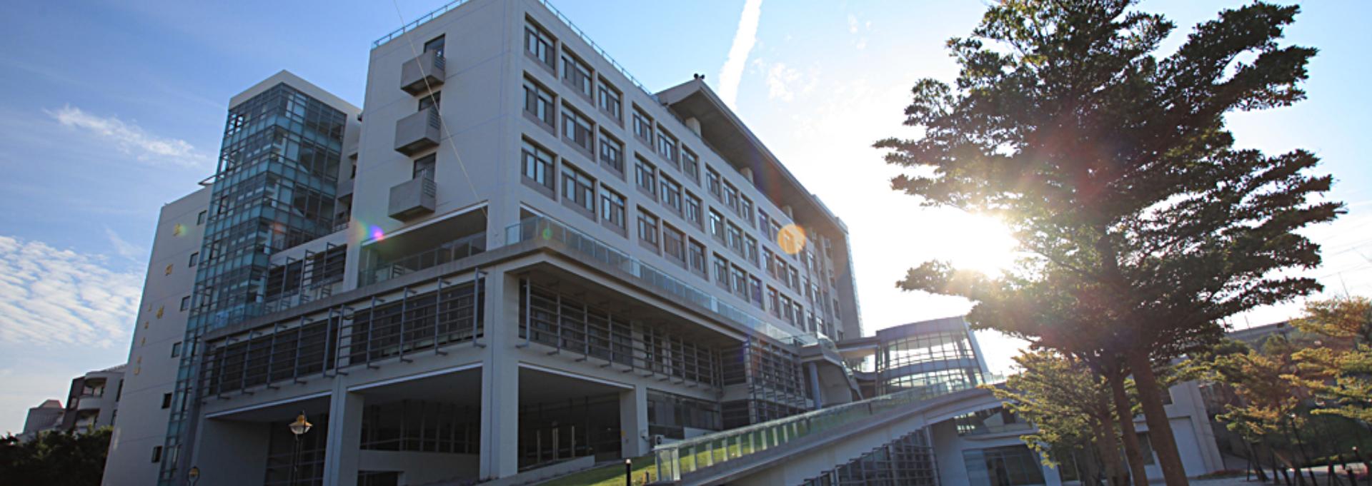 Cơ sở vật chất khang trang hiện đại giúp sinh viên sinh hoạt và học tập tốt nhất